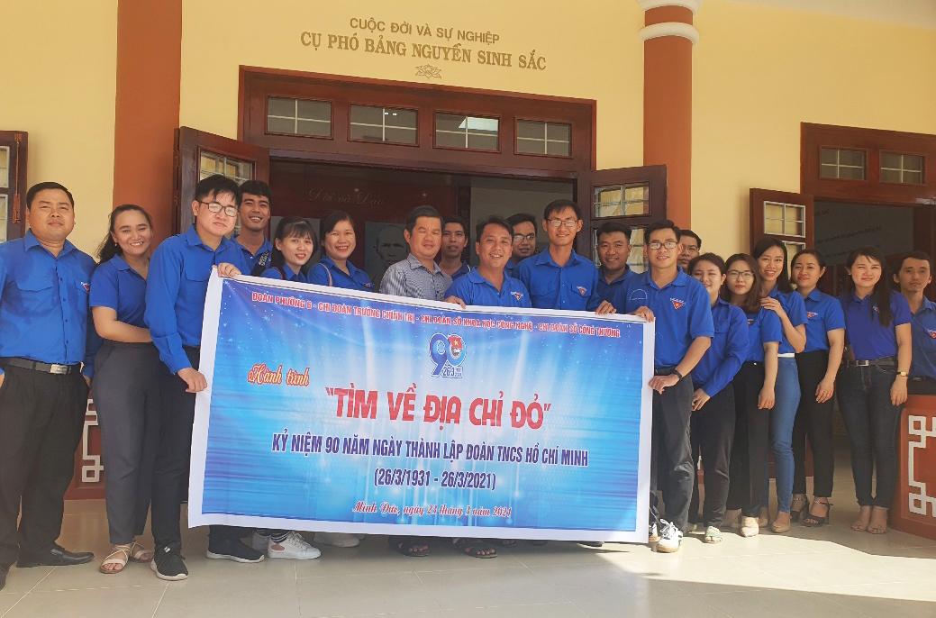Hoạt động về nguồn và giao lưu chào mừng Kỷ niệm  90 năm ngày thành lập đoàn TNCS Hồ Chí Minh