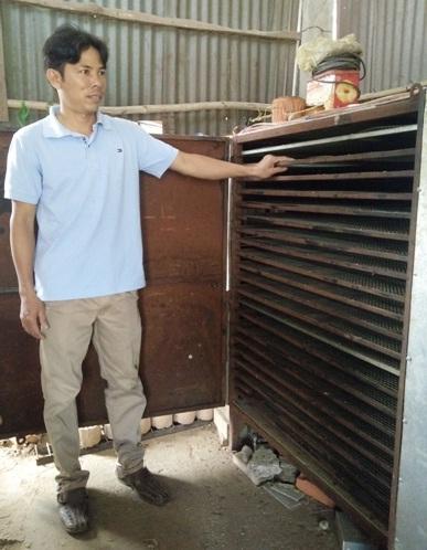Nông dân trẻ thành công với ý tưởng chế tạo thành công máy sấy bánh phồng