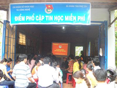 Chi đoàn Sở KH&CN Bến Tre: Khai giảng lớp phổ cập tin học miễn phí