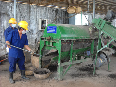 Nghiên cứu chế tạo thiết bị và hoàn chỉnh quy trình phân loại rác đã qua phân hủy tại bãi rác Phú Hưng-thành phố Bến Tre