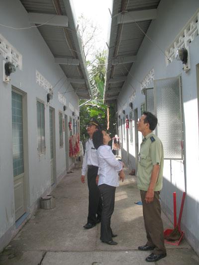 Thanh tra, kiểm tra đo lường công tơ điện, đồng hồ nước lạnh tại các nhà cho thuê tháng trên địa bàn tỉnh Bến Tre